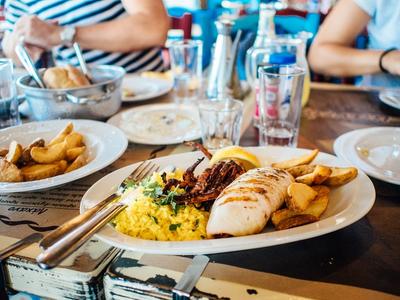 Ga een keer uit eten in Blerick bij Tante Toer!